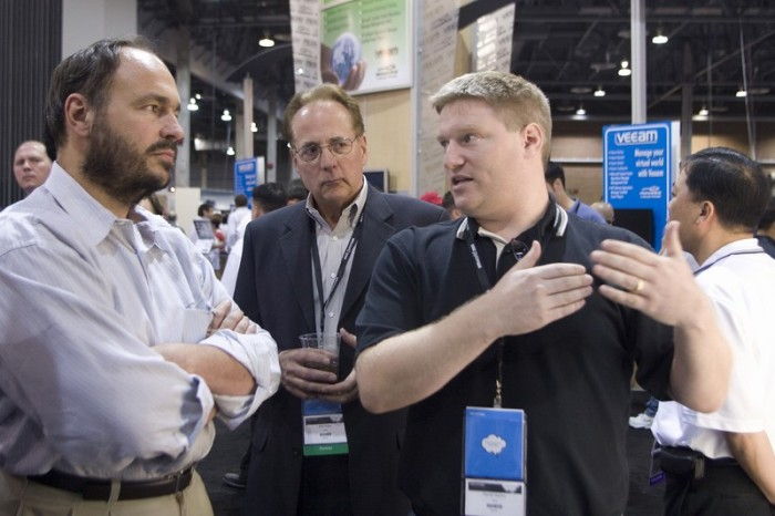 Paul Maritz and Dan Hersey discussing the Cisco Nexus 1000V